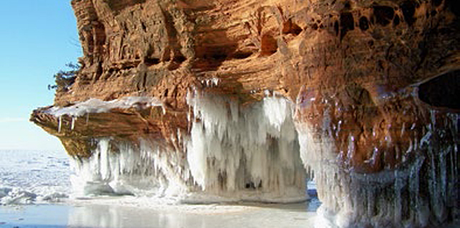 Lake Superior ice caves. Credit: Bayfield Chamber of Commerce.